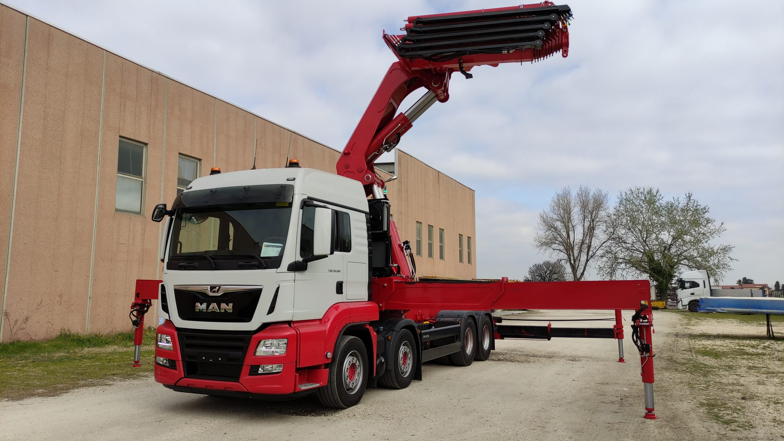 COPMA 1400 TOP RANGE LOADER CRANE